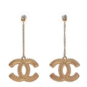 CHANEL CC Drop Earrings Matte Gold.